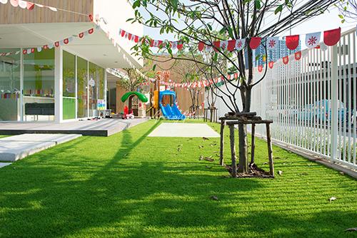 หญ้าเทียม สนามเด็กเล่น