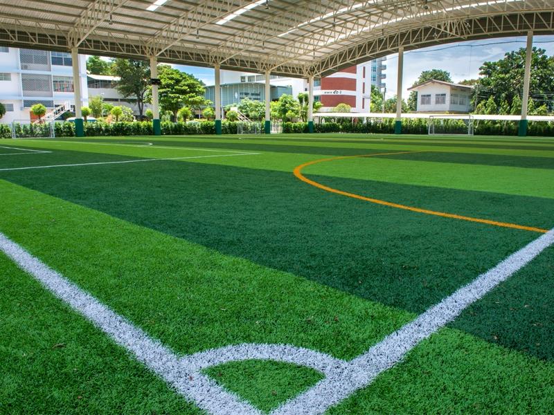 สนามฟุตบอลหญ้าเทียม โรงเรียนดาราสมุทร