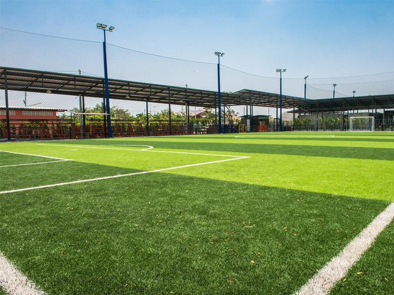 สนามฟุตบอลหญ้าเทียม อ่างทองคิกออฟ