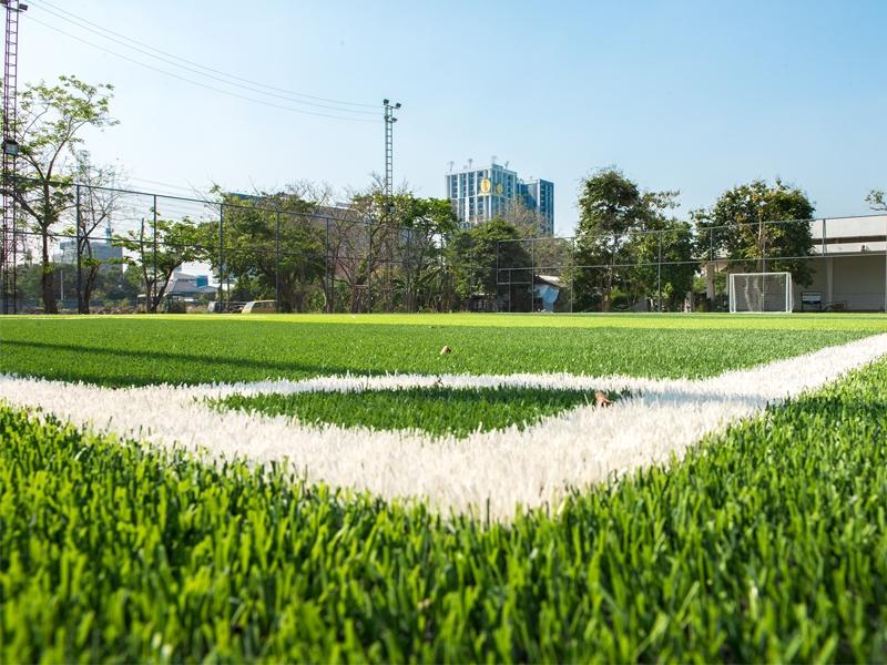สนามฟุตบอลหญ้าเทียม ร.1พัน.2รอ.