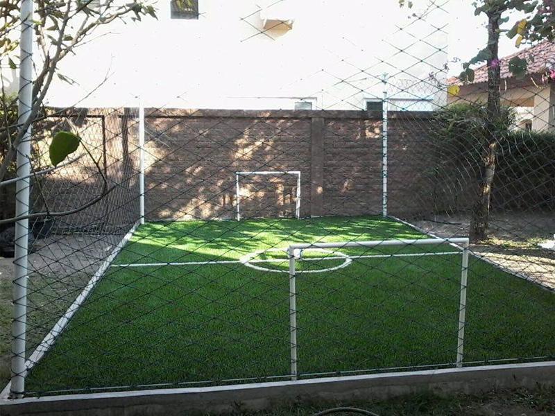 สนามฟุตบอลหญ้าเทียม มินิ (ในบ้าน)