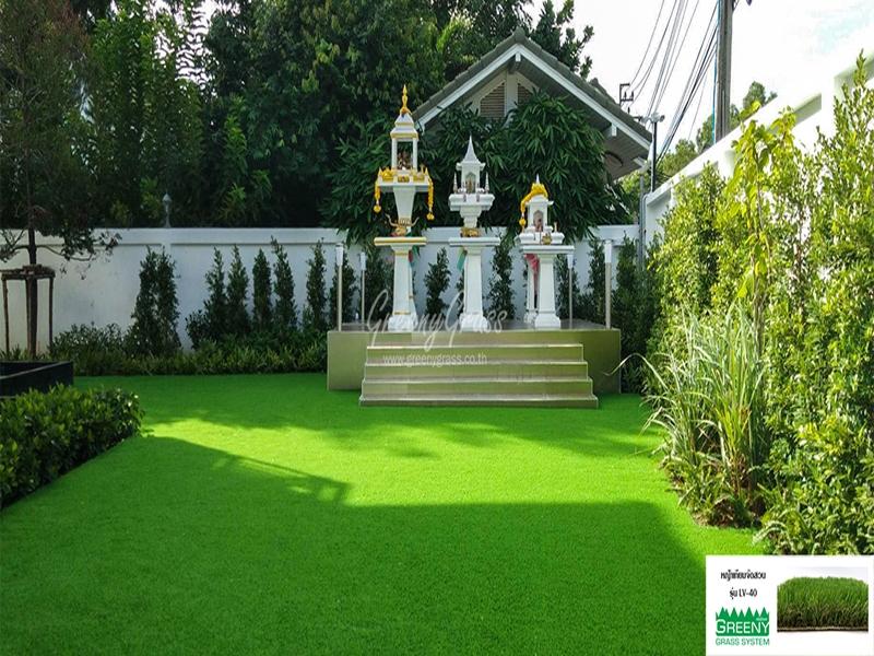 จัดสวนพร้อมกรีนพัตต์กอล์ฟหญ้าเทียม หมู่บ้านรอยัลกอล์ฟ
