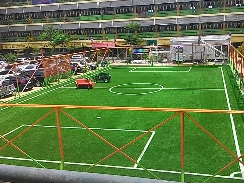 สนามฟุตซอลหญ้าเทียมโรงเรียน วัดพระยามนธาตุ เขตบางบอน
