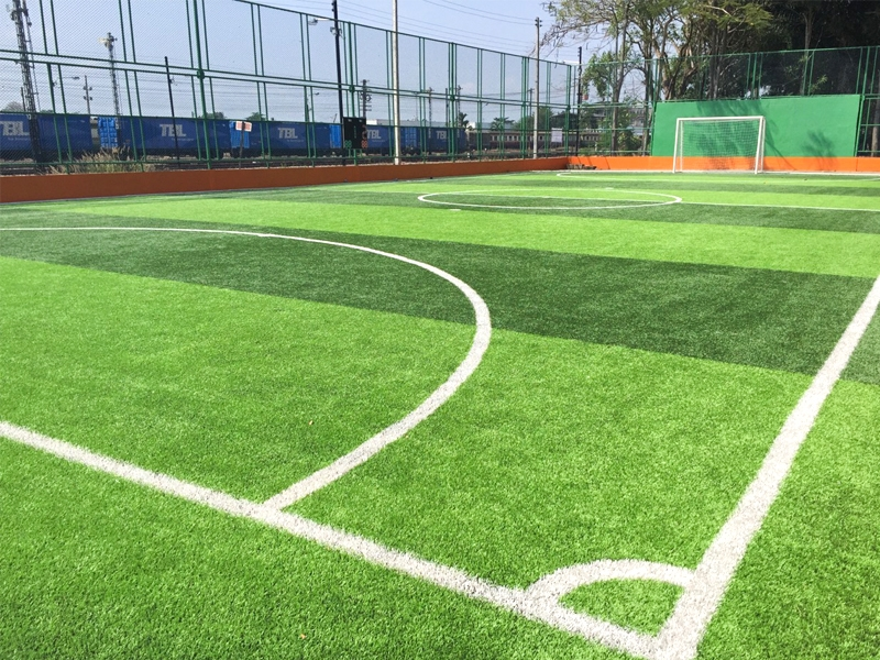 สนามฟุตบอลหญ้าเทียมเทศบาลเมืองท่าข้าม จ.สุราษฎร์ธานี