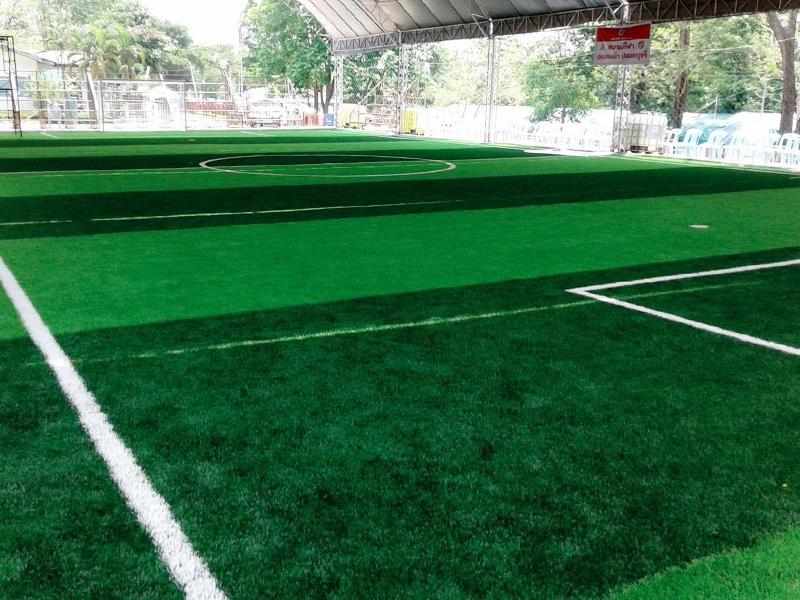 สนามฟุตบอลหญ้าเทียม เทศบาลตำบลกลางดง