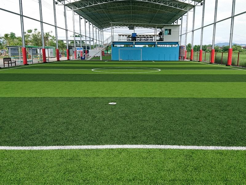 สนามฟุตบอลหญ้าเทียม จังหวัดลำพูน