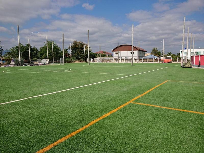 สนามฟุตบอลหญ้าเทียม ท่าขี้เหล็ก ประเทศพม่า