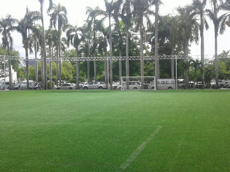 โรงเรียนปรินส์รอยแยลส์วิทยาลัย สนามฟุตบอลหญ้าเทียม