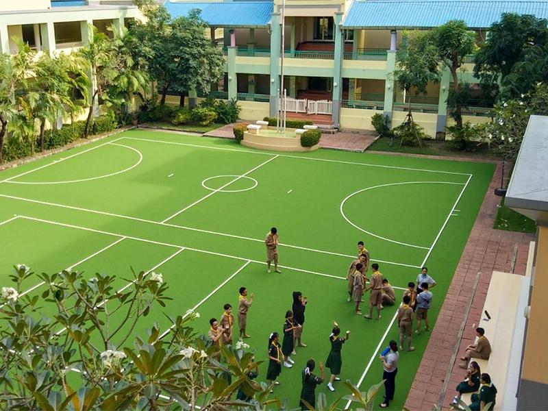 สนามหญ้าเทียมอเนกประสงค์ Interkids Bilingual School