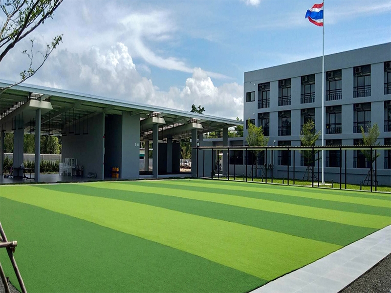 ลานอเนกประสงค์หญ้าเทียม โรงเรียน BAC's Korat Academy
