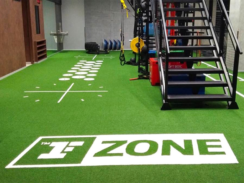 พื้นหญ้าเทียม Fitness First - ZONE CentralWorld