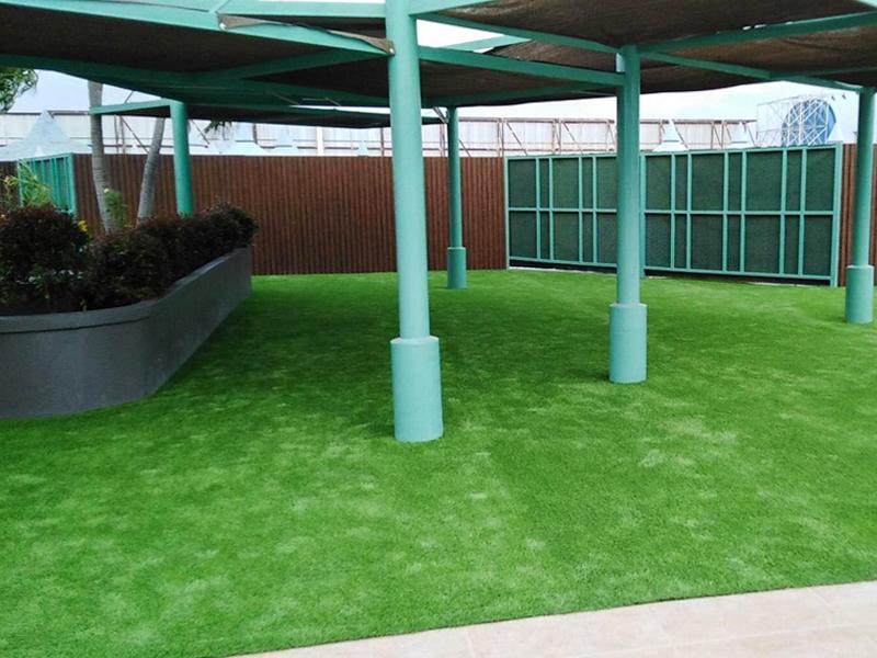 ปูหญ้าเทียม สวนน้ำอิมพีเรียลเวิลด์ สำโรง