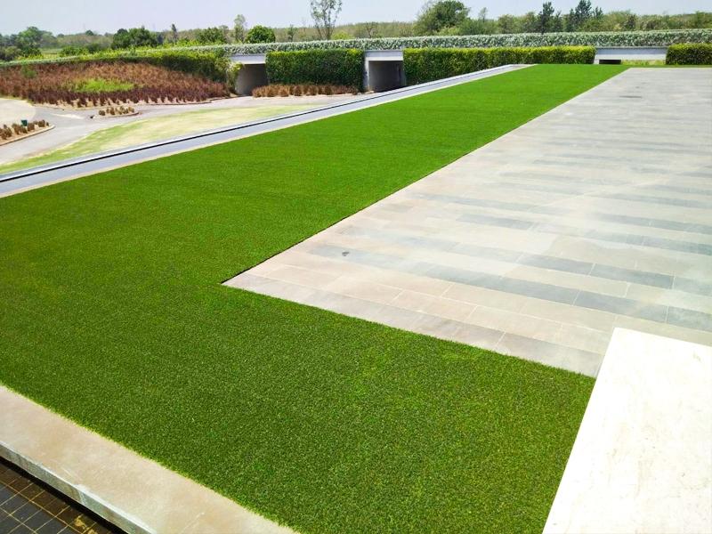 หญ้าเทียมตกแต่ง คลับเฮ้าส์สนามกอล์ฟนิกันติ