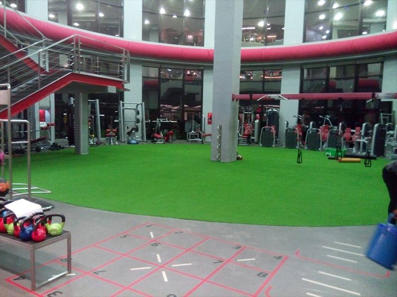 พื้นกีฬาอเนกประสงค์ ฟิตเนสเฟิร์ส พระราม3