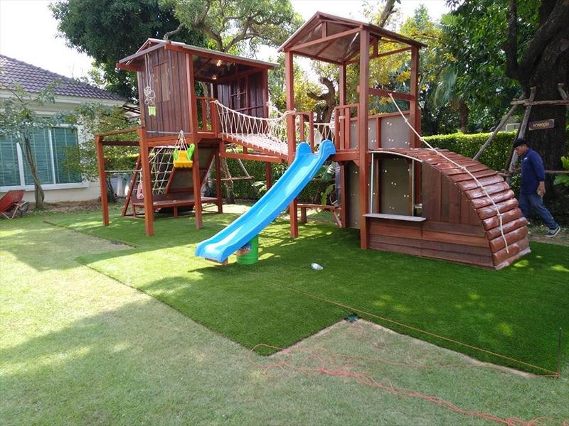 โซนสนามเด็กเล่นหญ้าเทียม กรานาดา ปิ่นเกล้า