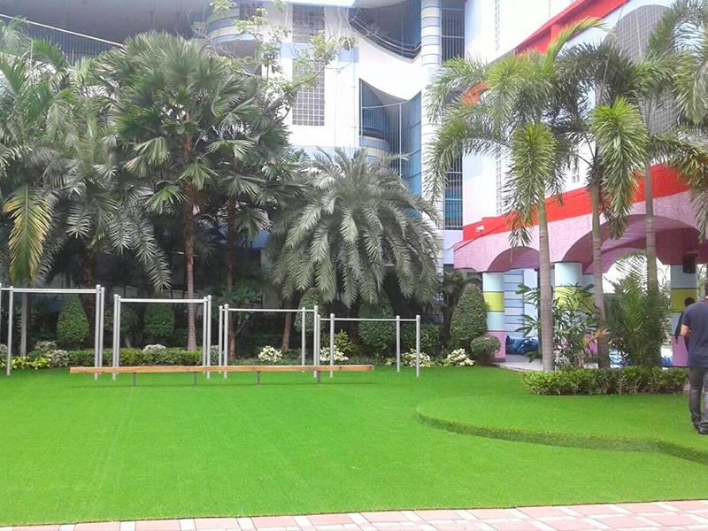 สนามเด็กเล่นหญ้าเทียม โรงเรียนสาธิต