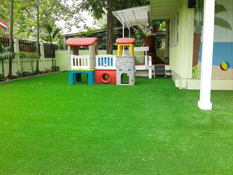 ปูหญ้าเทียมสนามเด็กเล่น British Early Years Centre