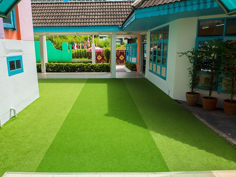 สนามเด็กเล่นหญ้าเทียม โรงเรียนปิยะจิตวิทยา
