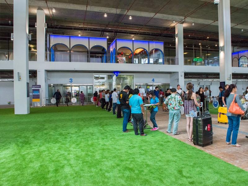 หญ้าเทียมตกแต่ง สนามบินนานาชาติภูเก็ต