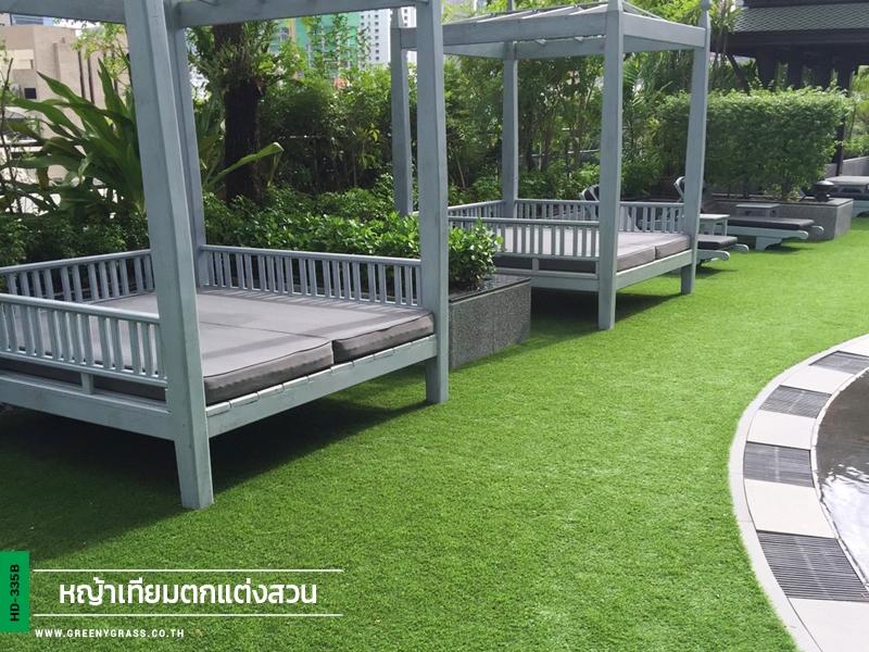 จัดสวนหญ้าเทียมโรงแรมPlaza Athenee Bangkok