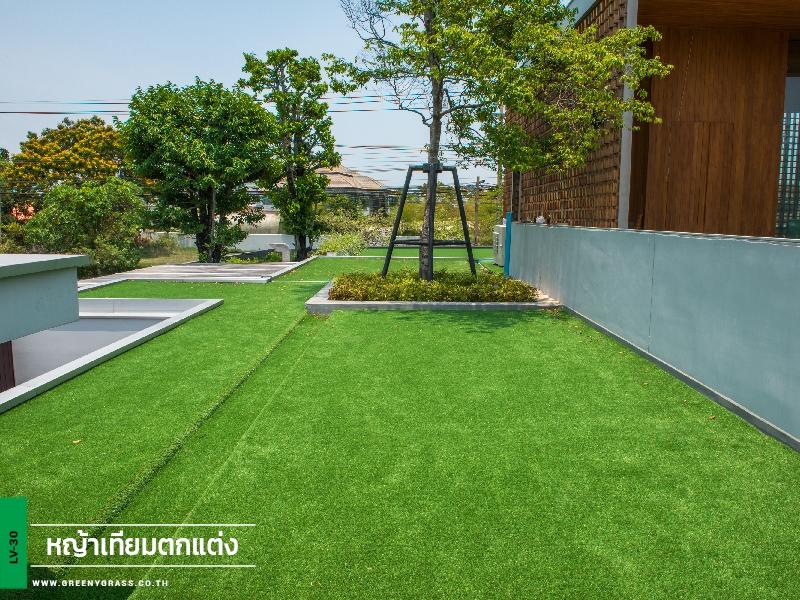 ติดตั้งหญ้าเทียมบนระเบียง กรีนวัลเล่ย์ บางนา