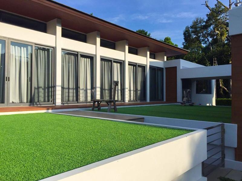 ปูหญ้าเทียมชานบ้าน จันทบุรี