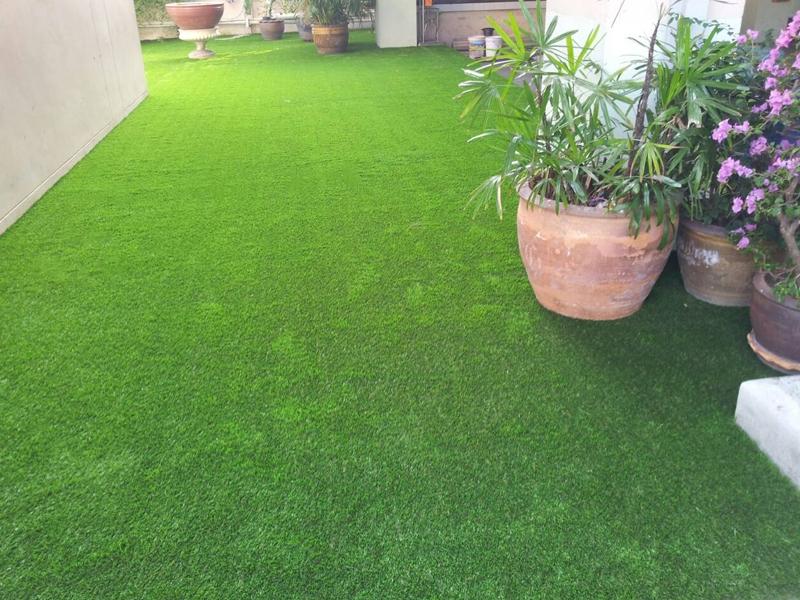 หญ้าเทียมแต่งสวน โรงเรียนเซนต์คาเบรียล สามเสน
