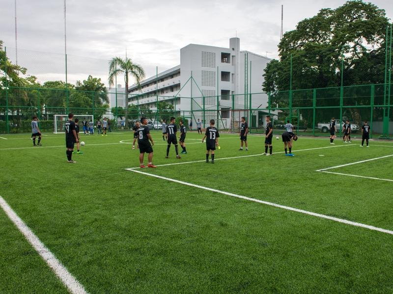 สนามฟุตบอลหญ้าเทียม กรมการขนส่งทหารบก