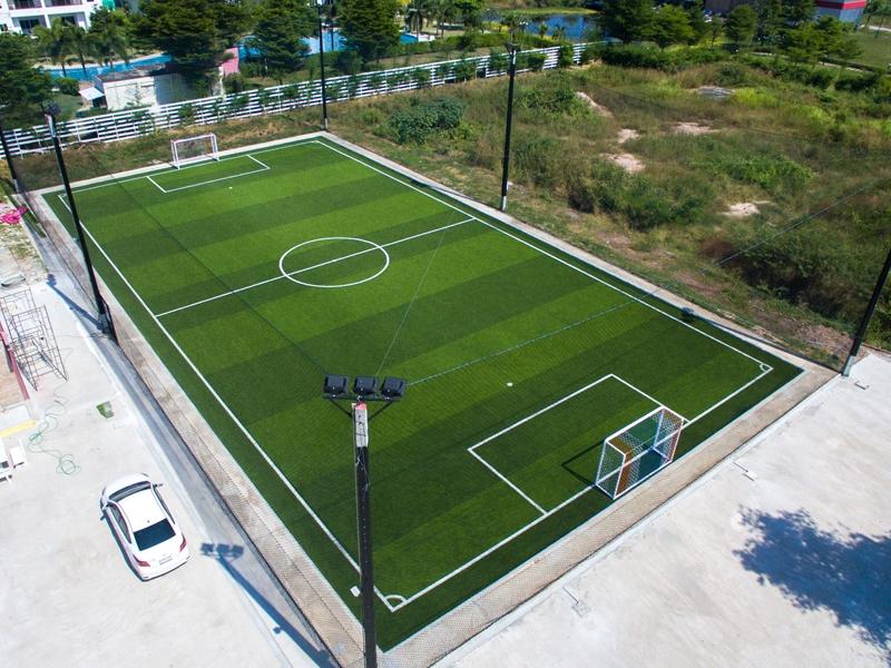 สนามฟุตบอลหญ้าเทียม หัวหินซอย 102