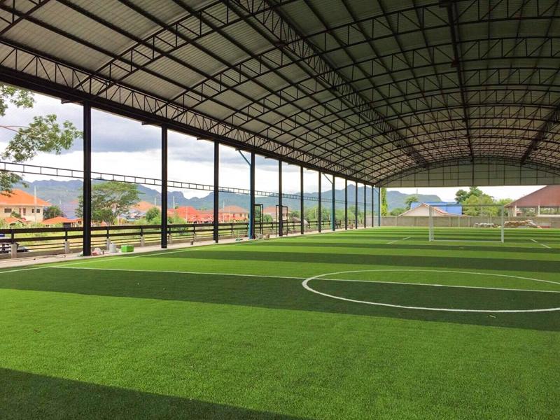 สนามฟุตบอลหญ้าเทียม อนุบาลเมฆบัณฑิต