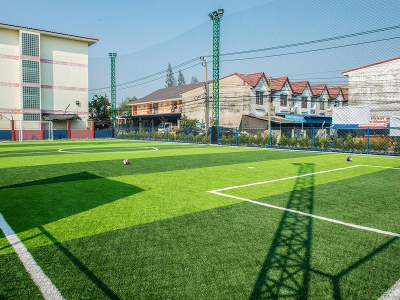 สนามฟุตบอลหญ้าเทียม เทพารักษ์