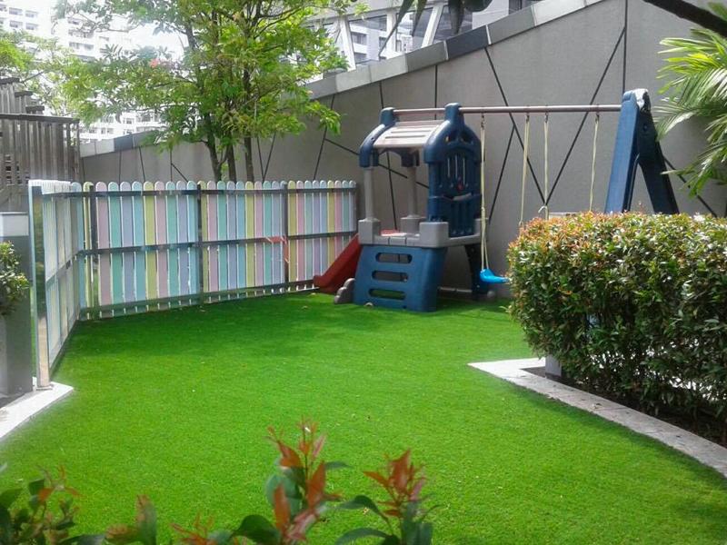 จัดสวนหญ้าเทียม บนอาคาร บูเลอวาร์ด เรสซิเด้นท์