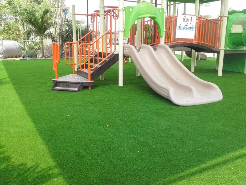 สนามเด็กเล่นหญ้าเทียม โรงเรียนเกวลินวิทยาคม