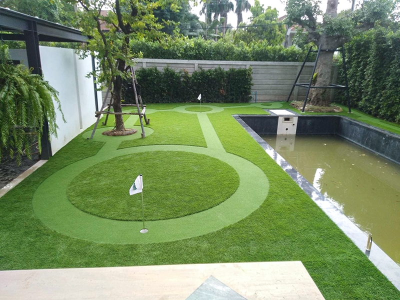 Mini-Golf หญ้าเทียม หมู่บ้านเพชรเกษม 3