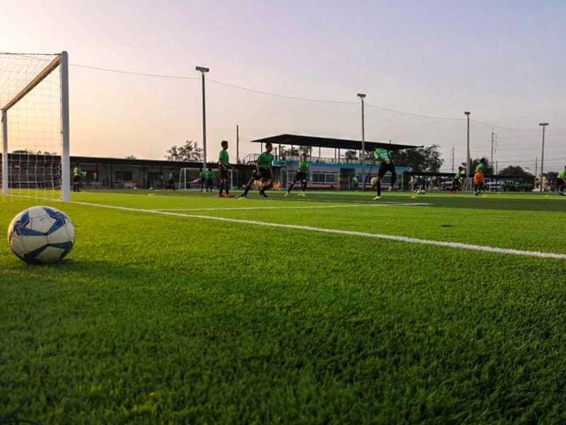 สนามฟุตบอลหญ้าเทียม จริงจัง สปอร์ต ชูเล่ย์