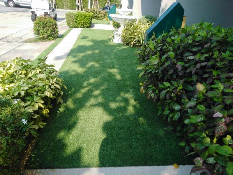 สวนหญ้าเทียม บ้านตัวอย่าง โครงการ เจ แกรนด์ สาทร กัลปพฤกษ์