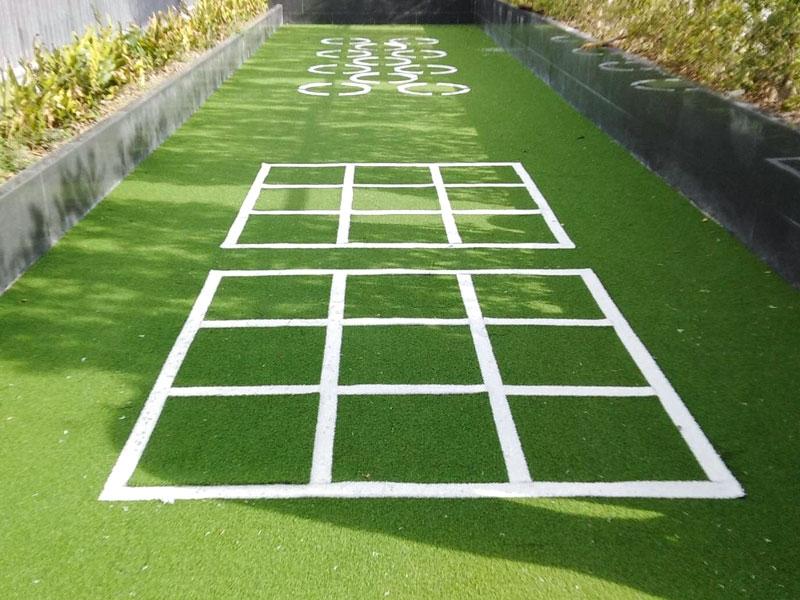 ดาดฟ้าหญ้าเทียม โครงการควินทารา ทรีเฮาส์ สุขุมวิท 42