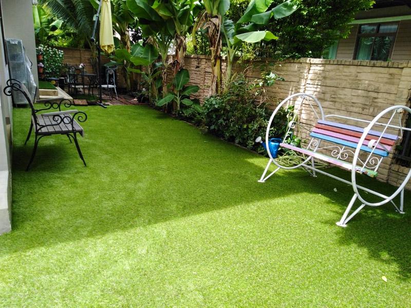 จัดสวนหญ้าเทียม หมู่บ้านบุราสิริ-สนามบินน้ำ