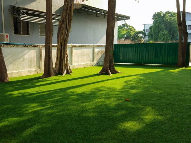 สนามเด็กเล่นหญ้าเทียม โรงเรียนสาธิตบางนา