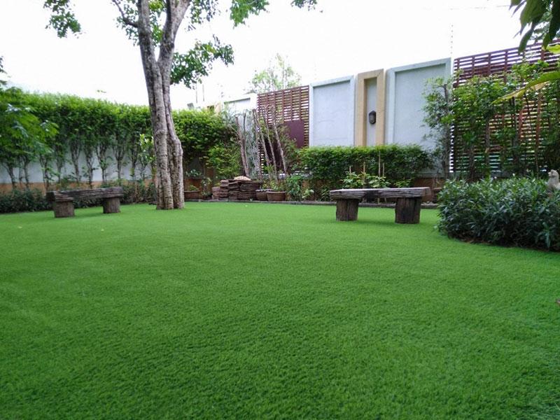 แต่งสวนหญ้าเทียม บ้านพักส่วนตัวซอยลาดพร้าว 87