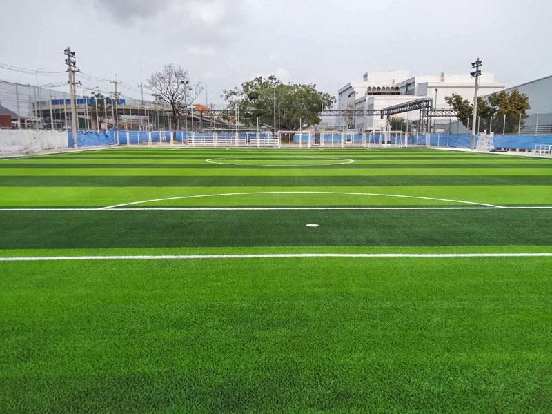 สนามฟุตบอลหญ้าเทียม บริษัท สยามมิชลิน จำกัด