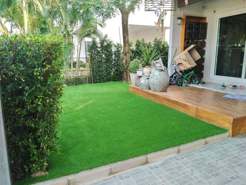 จัดสวนด้วยหญ้าเทียม หมู่บ้านพฤกษ์ลดา ประชาอุทิศ 90