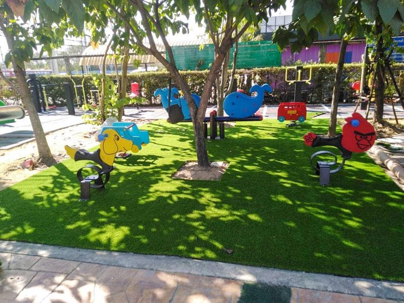 สนามเด็กเล่นหญ้าเทียม เทศบาลตำบล แพรกษา