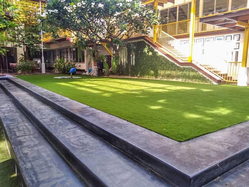 สนามหญ้าเทียม โรงเรียนอนุบาลเทพารักษ์
