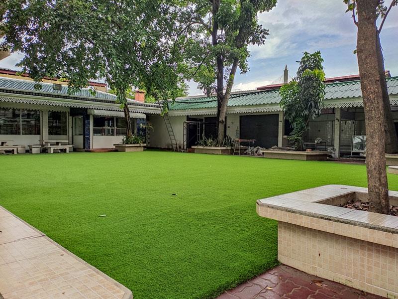 สนามหญ้าเทียม โรงเรียนทิวไผ่งาม